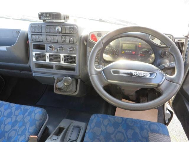 Iveco  2010 full